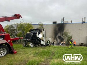 Heavy Towing Dallas Team Tows Fiery Truck off I-30